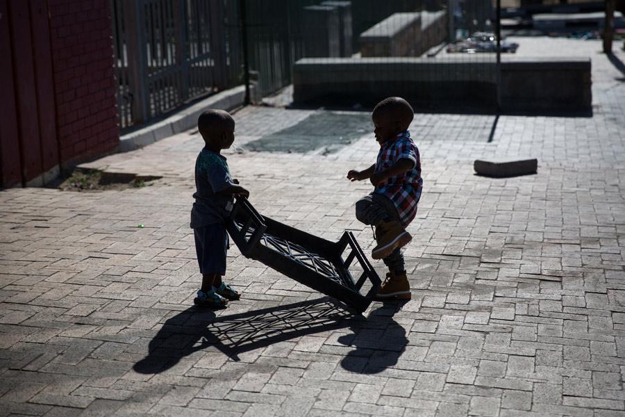 Shooting-Different_Cape-Town_Imizamo-Yethu-(4-di-12)